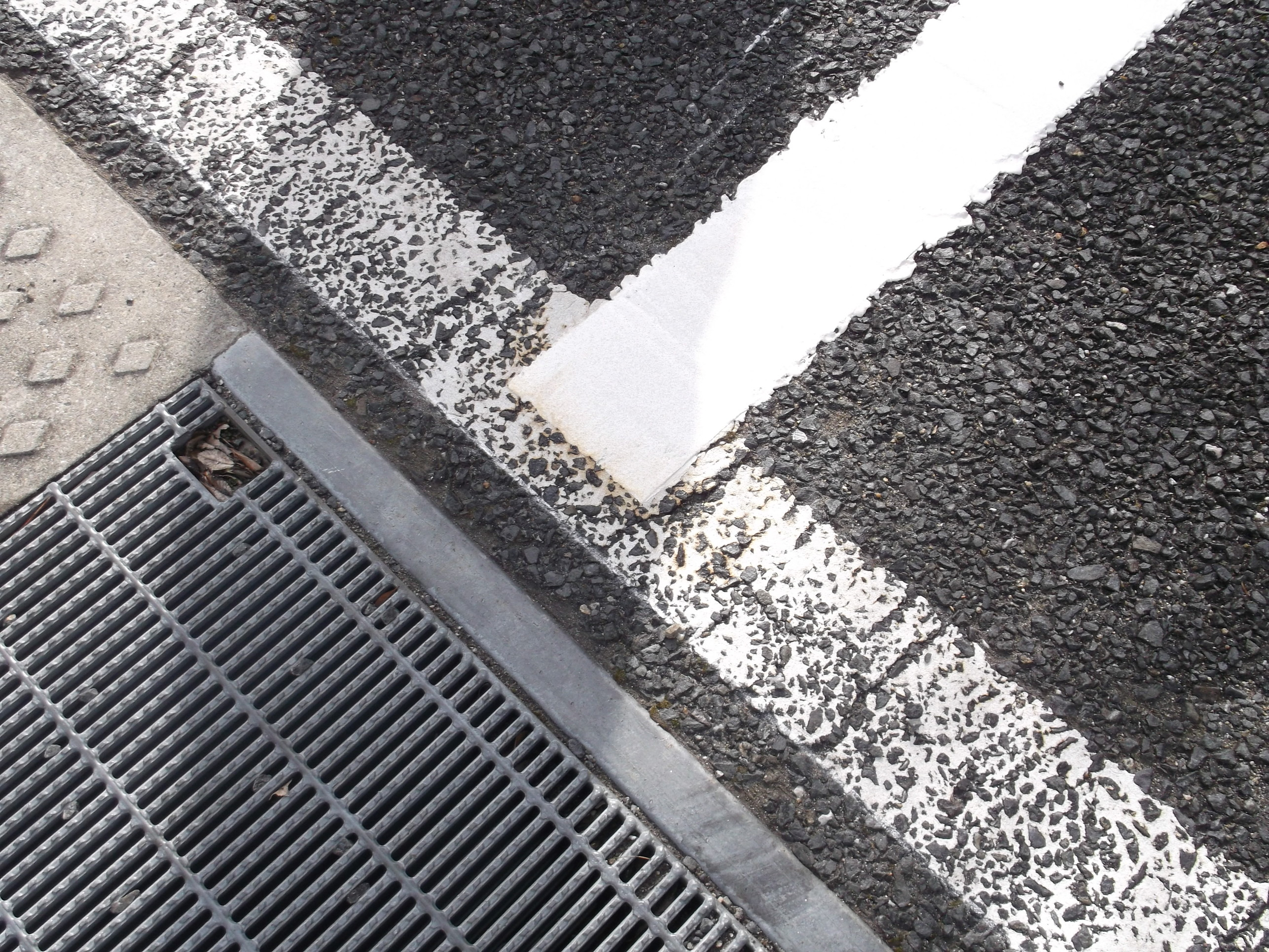 池田市 某施設 駐車場ライン工事イメージ04