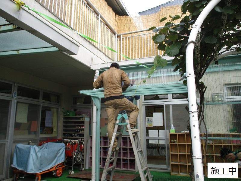 宝塚市 保育園 雨除け用波板庇設置イメージ04