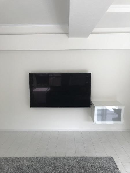 宝塚市 テレビ・収納棚壁掛け工事イメージ01