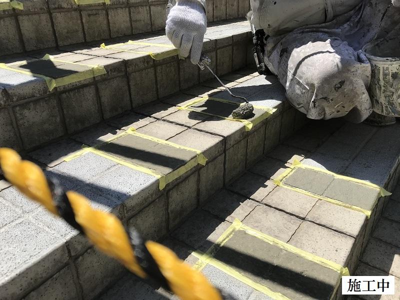神戸市 正面玄関階段ノンスリップ塗装修繕工事イメージ05