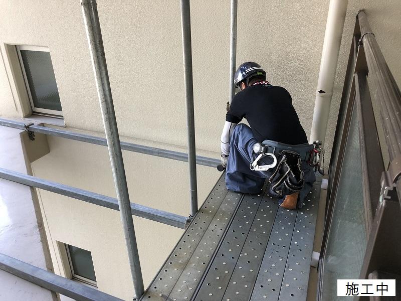 尼崎市 マンション 渡り廊下ガラス取替工事イメージ04