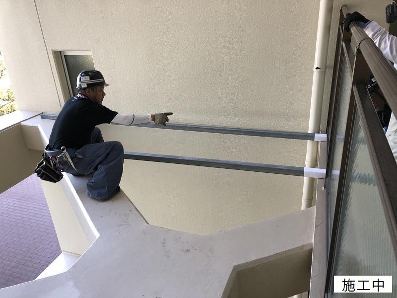 尼崎市 マンション 渡り廊下ガラス取替工事イメージ03