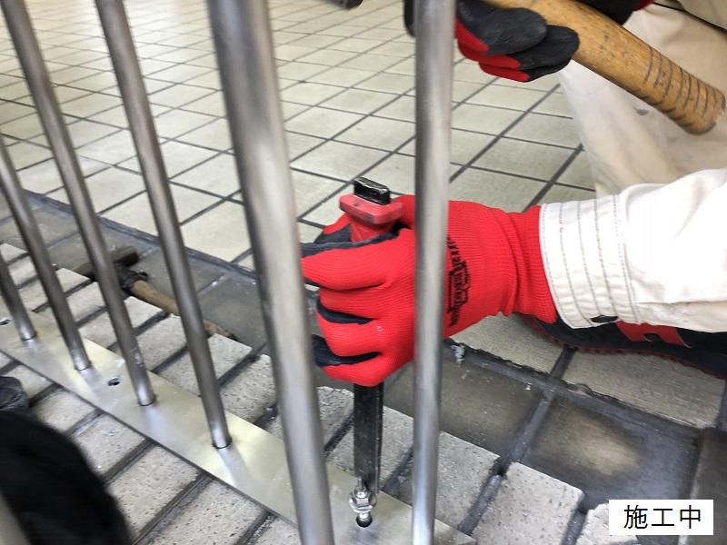 宝塚市 商業施設 スペース確保ステンレス手摺設置工事イメージ05