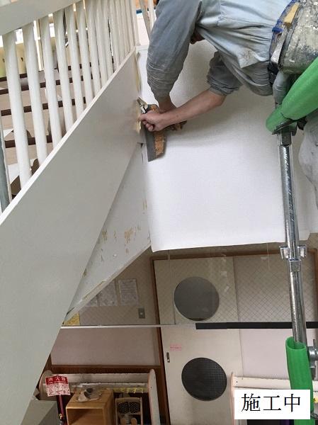 宝塚市 保育園 クロス修繕工事(階段・廊下・職員室)イメージ08