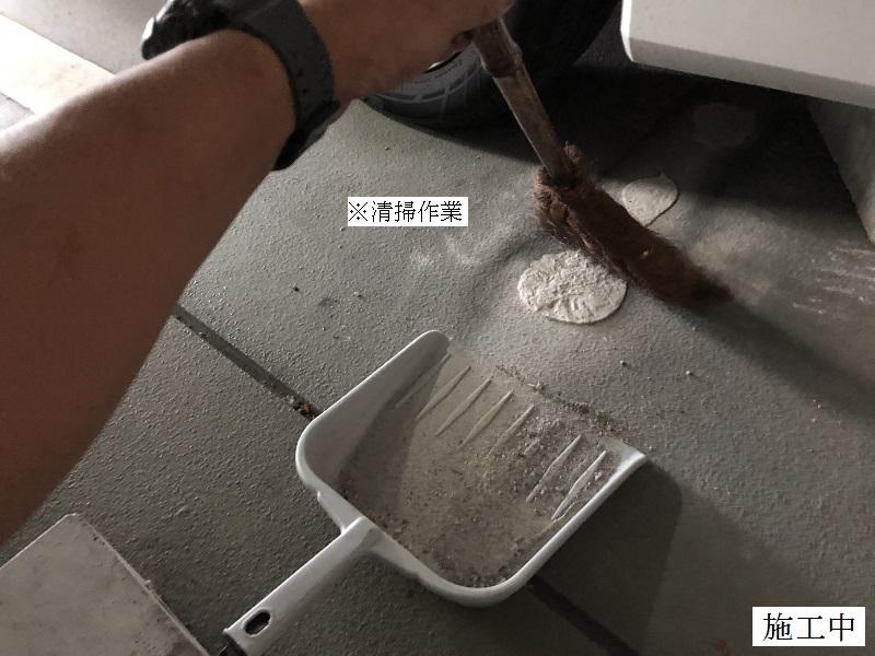 伊丹 マンション 駐車場 車輪止め修繕工事イメージ03