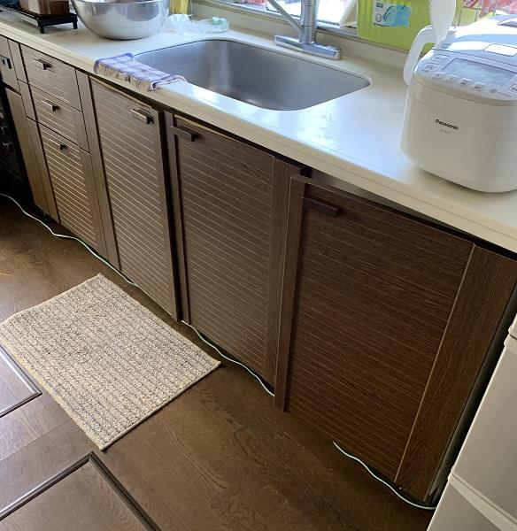 西宮市 洗面台水栓金具・キッチン下収納扉 修繕工事イメージ04